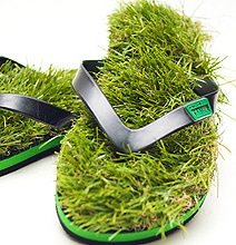 Grass Sandals Will Let You Feel The Summer Under Your Feet