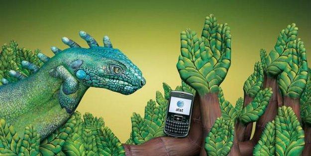 iguana foliage arms makeup