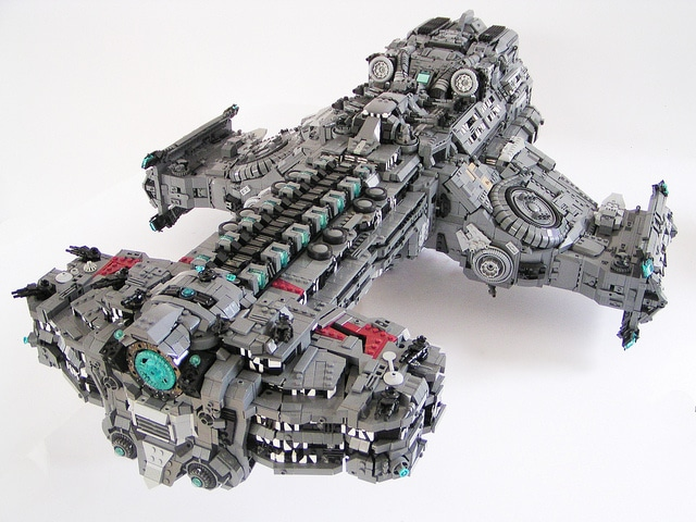Epic LEGO Starcraft 2 Hyperion Battlecruiser