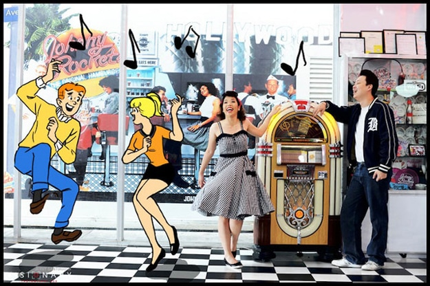 Archie-Comics-Engagement-Photos