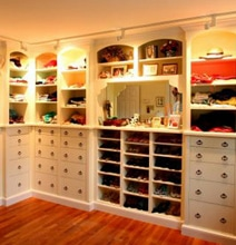 Design Inspiration: 12 Dreamy Luxurious Walk-In Closets