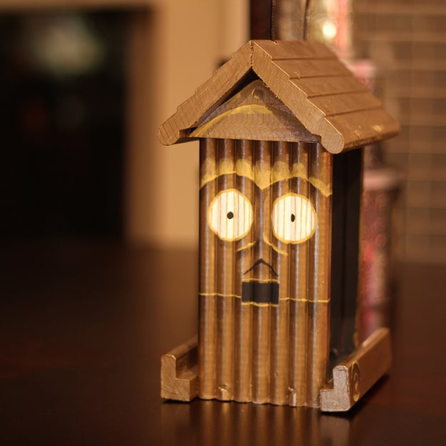 Geek-Handmade-Bird-Houses