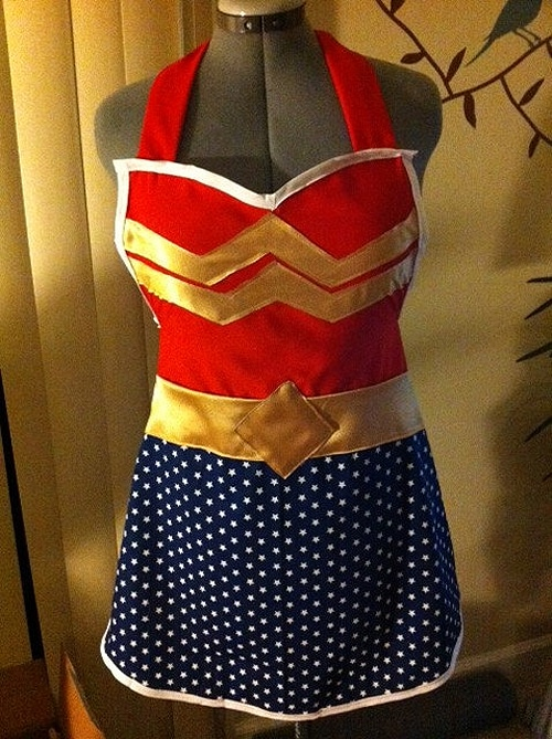10 Geek Aprons: Wonder Woman, Batman, Harley Quinn, Mario & More