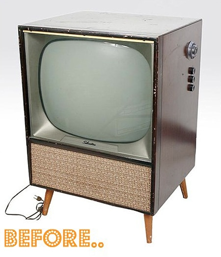DIY Mod: Retro Television Transformed Into A Badass Bar
