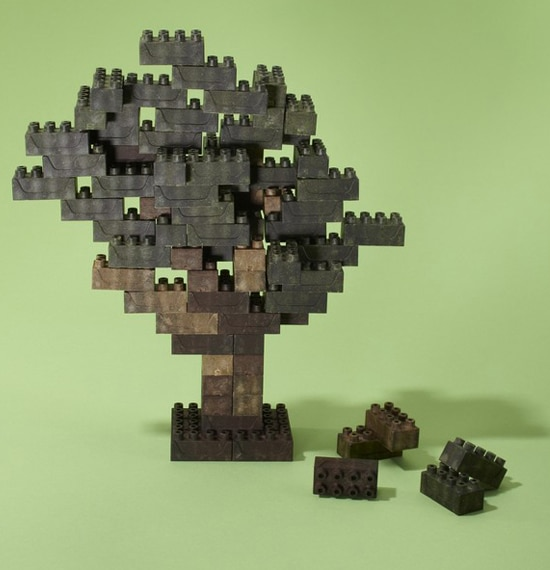 Earth Blocks: Lego Just Got Major Competition