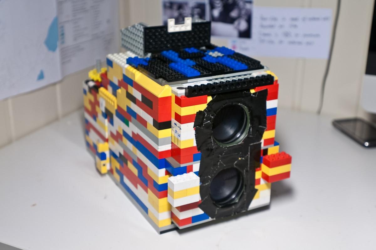 twin-lens-lego-camera