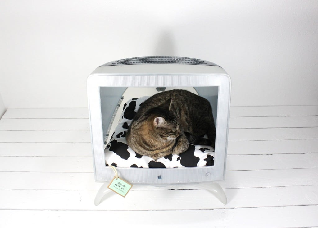 upcycled-mac-cat-bed