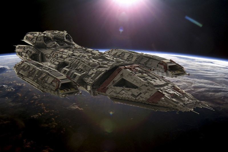 Epic Battlestar Valkyrie Lego Build Weighs In At 110.9 Pounds