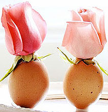 Celebrate Spring With Delicate Bud Vases Made From Eggshells