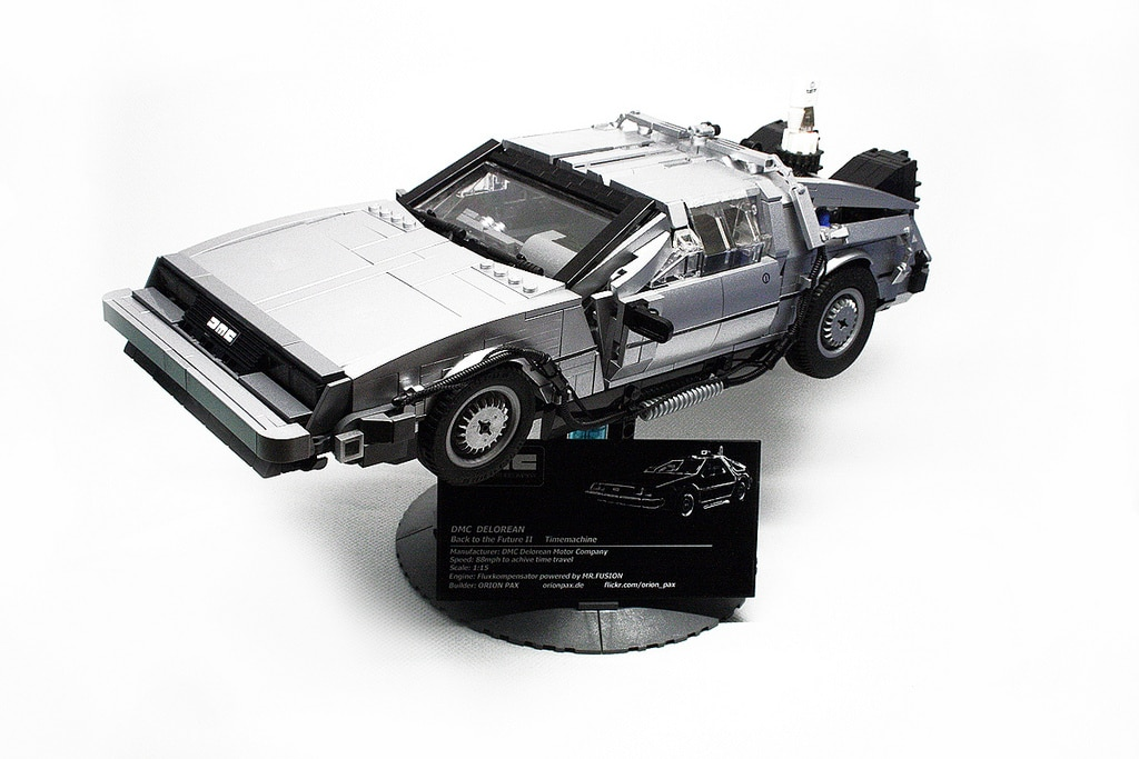 Amazing 1:15 Scale Back To The Future DeLorean Lego Build