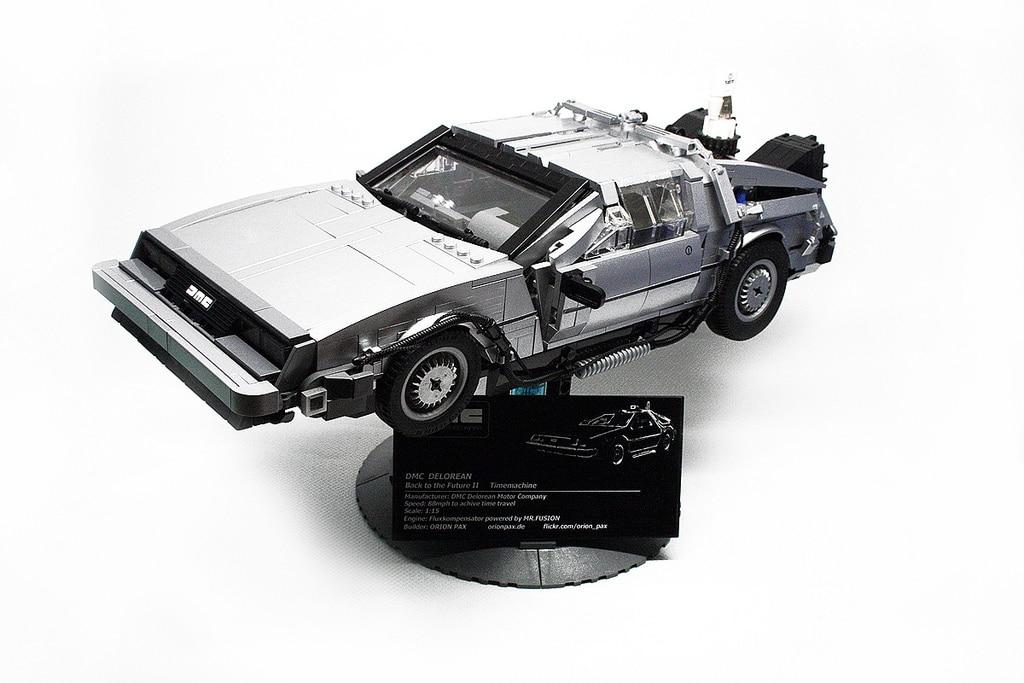 Amazing 1:15 Scale Back To The Future DeLorean Lego Build
