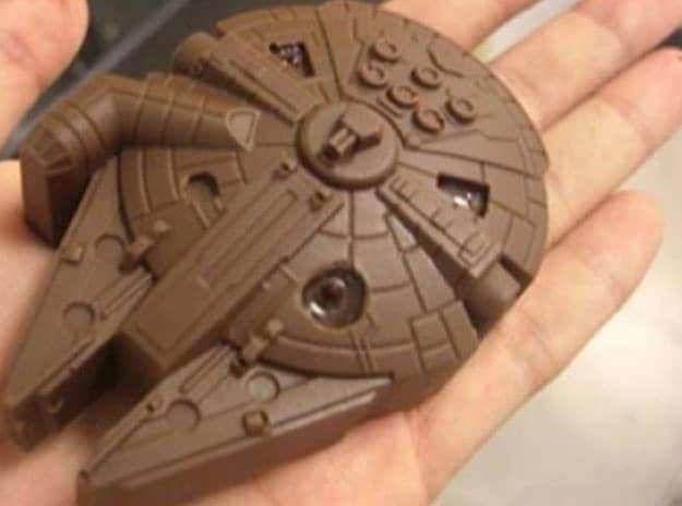 millenium-falcon-chocolate-bar