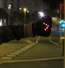 Innovative Bike Gloves With Built-In LED Turn Signals