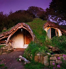 real-life-hobbit-house-build