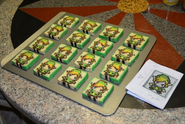 Zelda-Link-Pixelated-Cookies