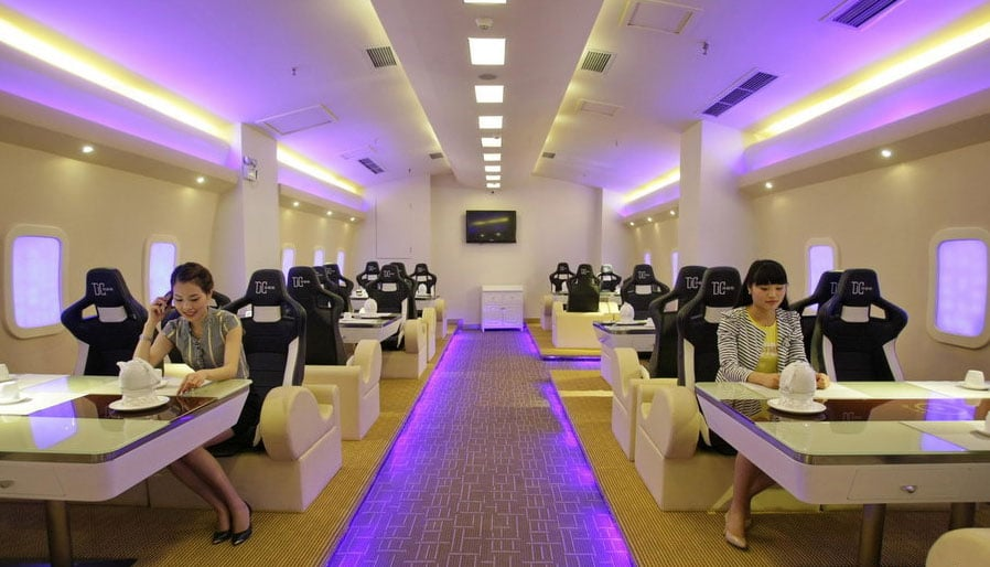 Have Dinner On A Luxury Flight Without Leaving The Ground