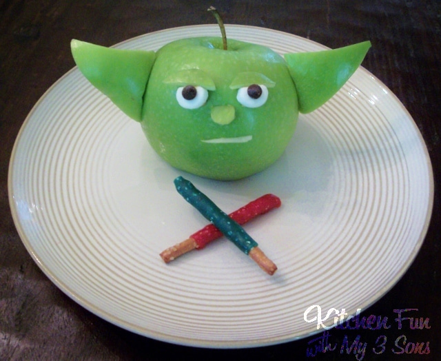 Star Wars Food Design: An Adorable Green Apple Yoda