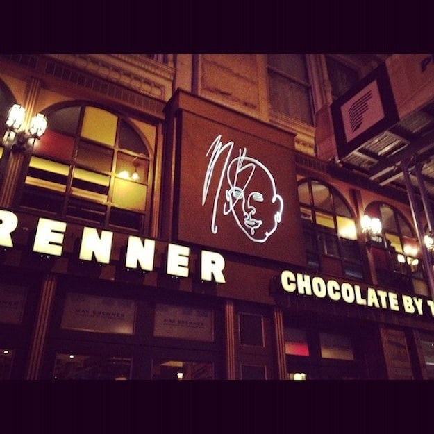 Chocolate-Max-Brenner-Outdoor