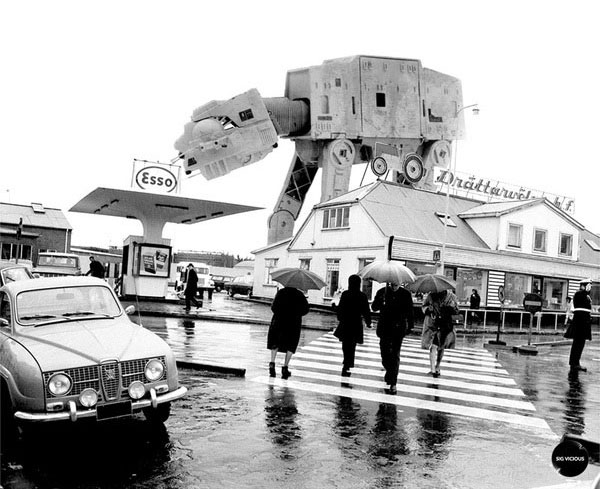 If A Star Wars Invasion Happened IRL [14 Black & White Pics]