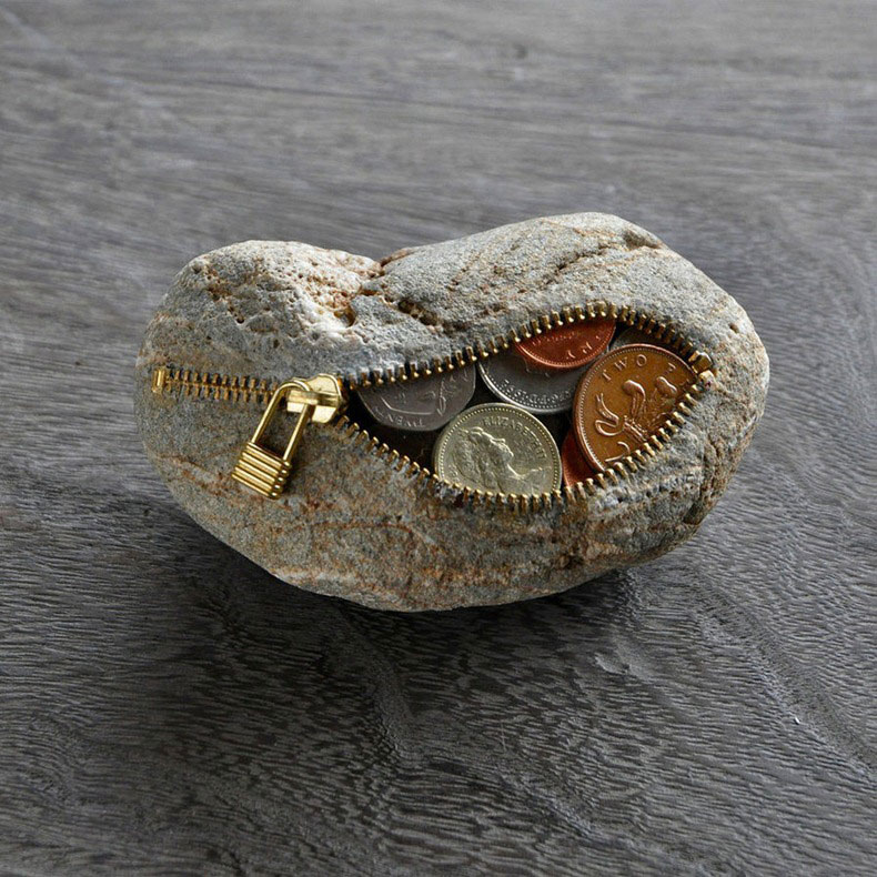 Stone-Sculptures-With-Zippers