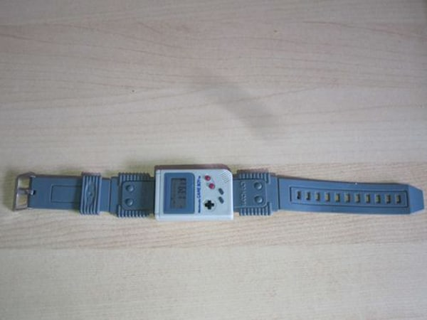 game-boy-wrist-watch
