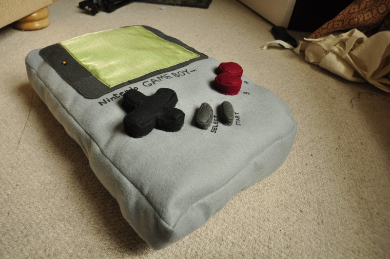 geeky-game-controller-pillows