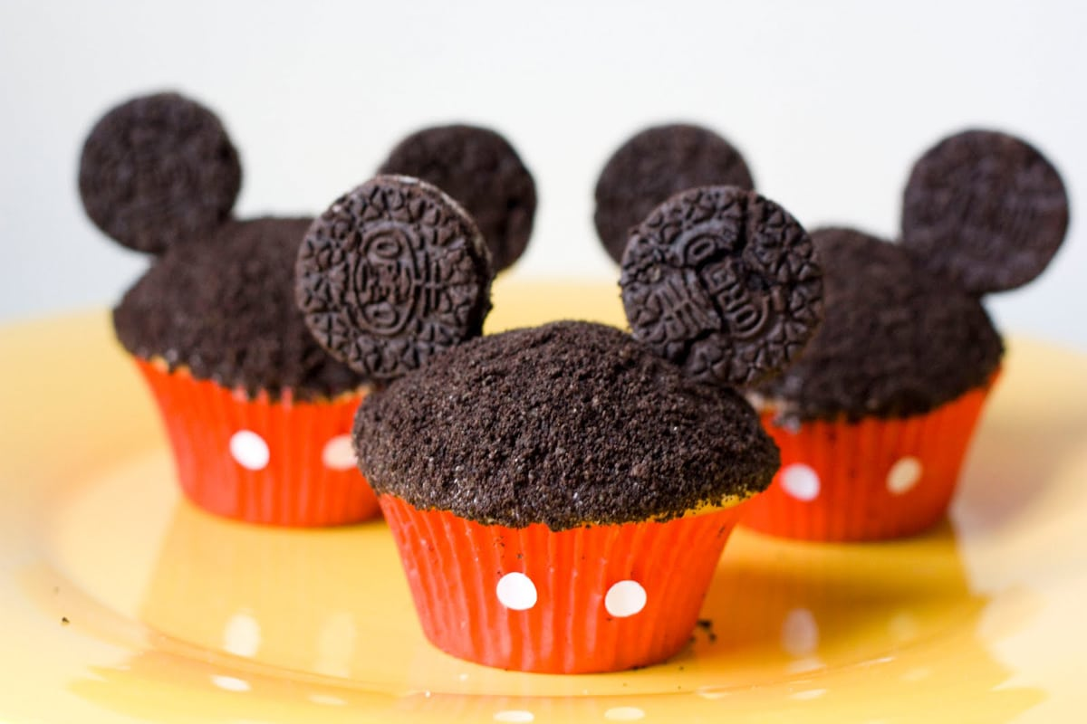 Pictures Of Mickey Mouse Cupcakes : Mickey Mouse Sugar Rush: Mickey Oreos, Cupcakes & Cake ...