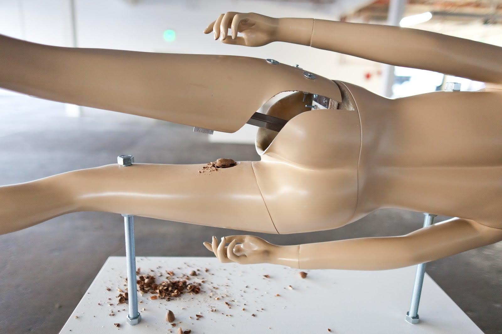 nutcrackers-on-plastic-mannequins