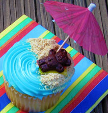 Your Summer Beach Vacation All On Top Of A Cupcake