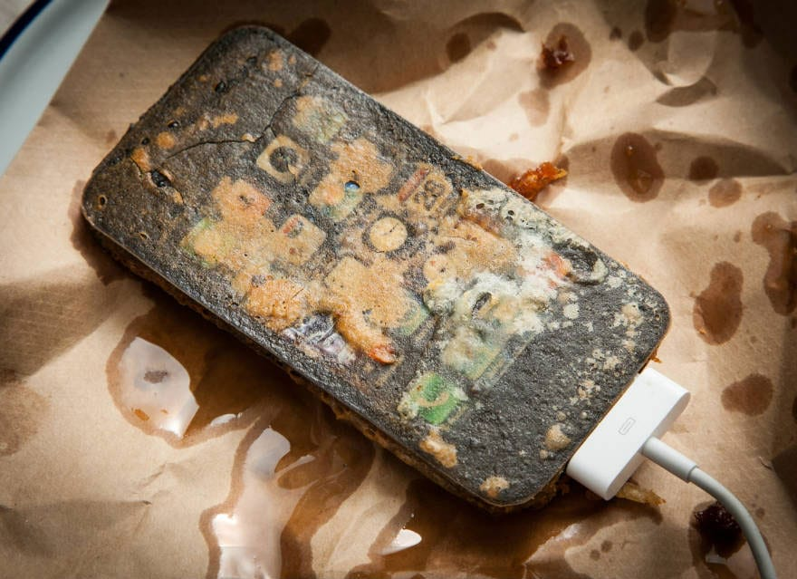 Deep Fried Gadgets: Suddenly Your iPhone Looks Tasty
