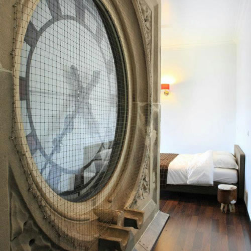 clock-tower-hotell-room