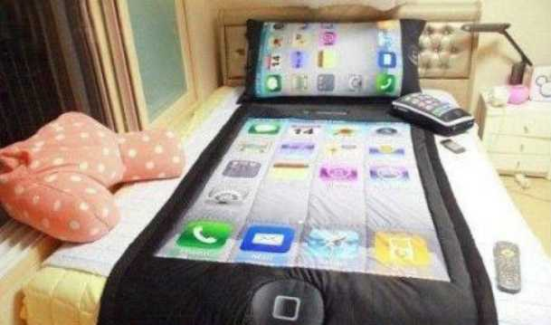 iphone-themed-bed-set