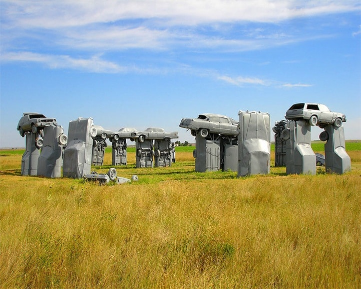 used-cars-stonehenge-replica