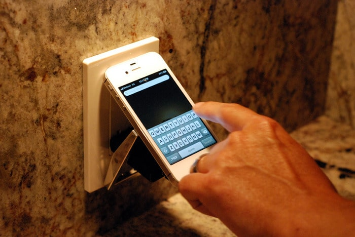 volt-buckle-smartphone-charger
