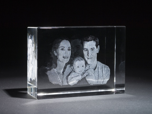 3d-crystal-engraved-photos
