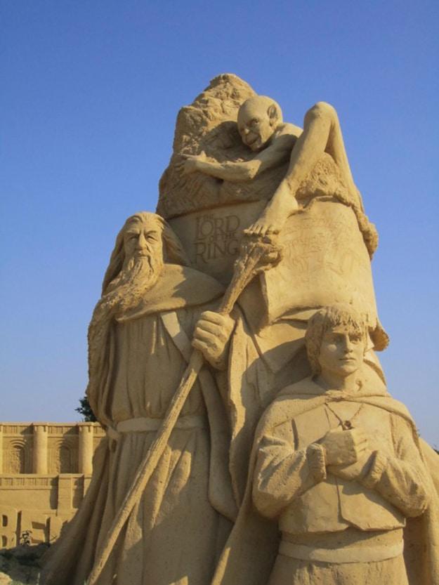 LOTR-Sand-Art-Sculpure