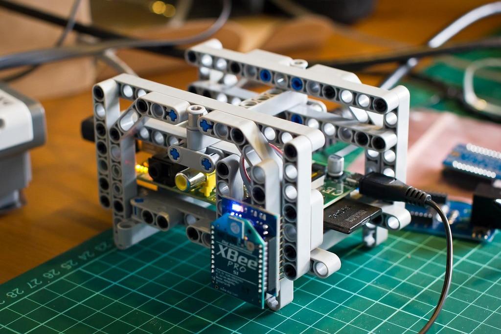 Lego-Star-Trek-Raspberry-Pi