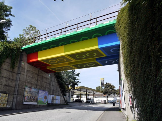 Real-Painted-Lego-Bridge