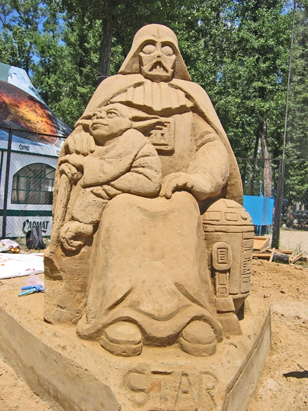 15 Super Geeky Sand Art Sculptures For Summer