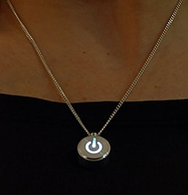 iNecklace: Win Her Heart With A Pulsating LED Open Source Necklace