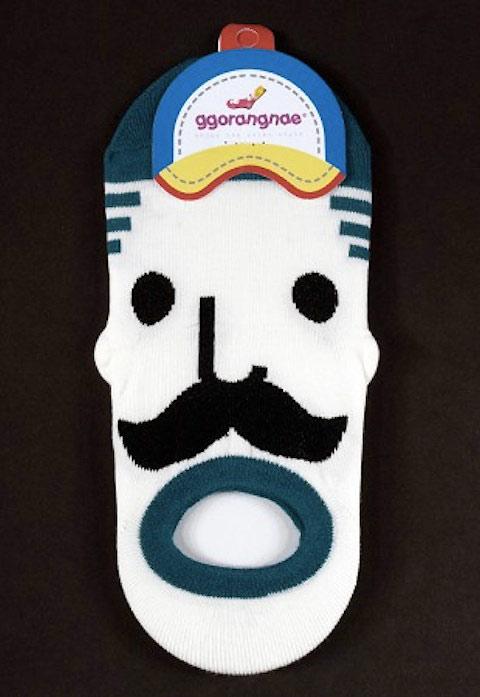 korean-face-socks-concept