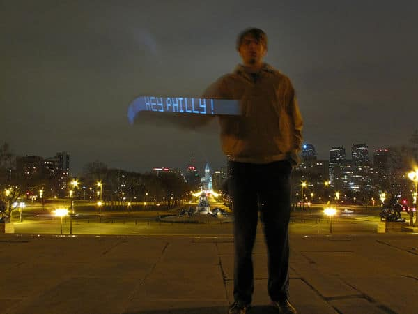 Light Writer iPhone App Uses Air As Its Canvas