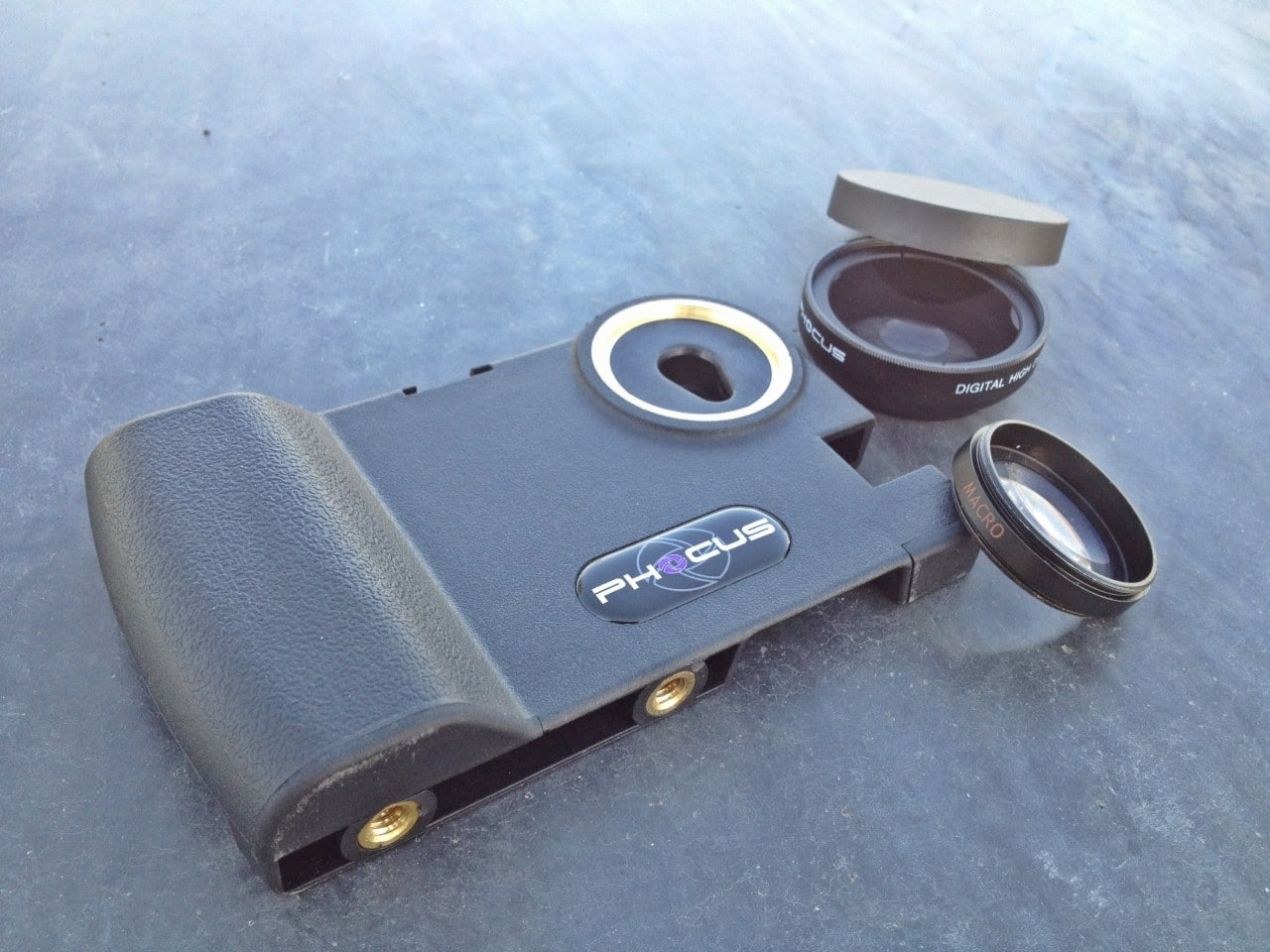 Phocus Case Allows DSLR Lenses To Be Used With Your iPhone