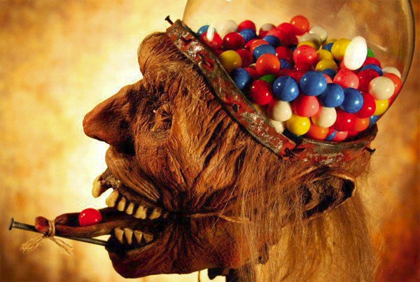 zombie-taxidermy-gumball-machine