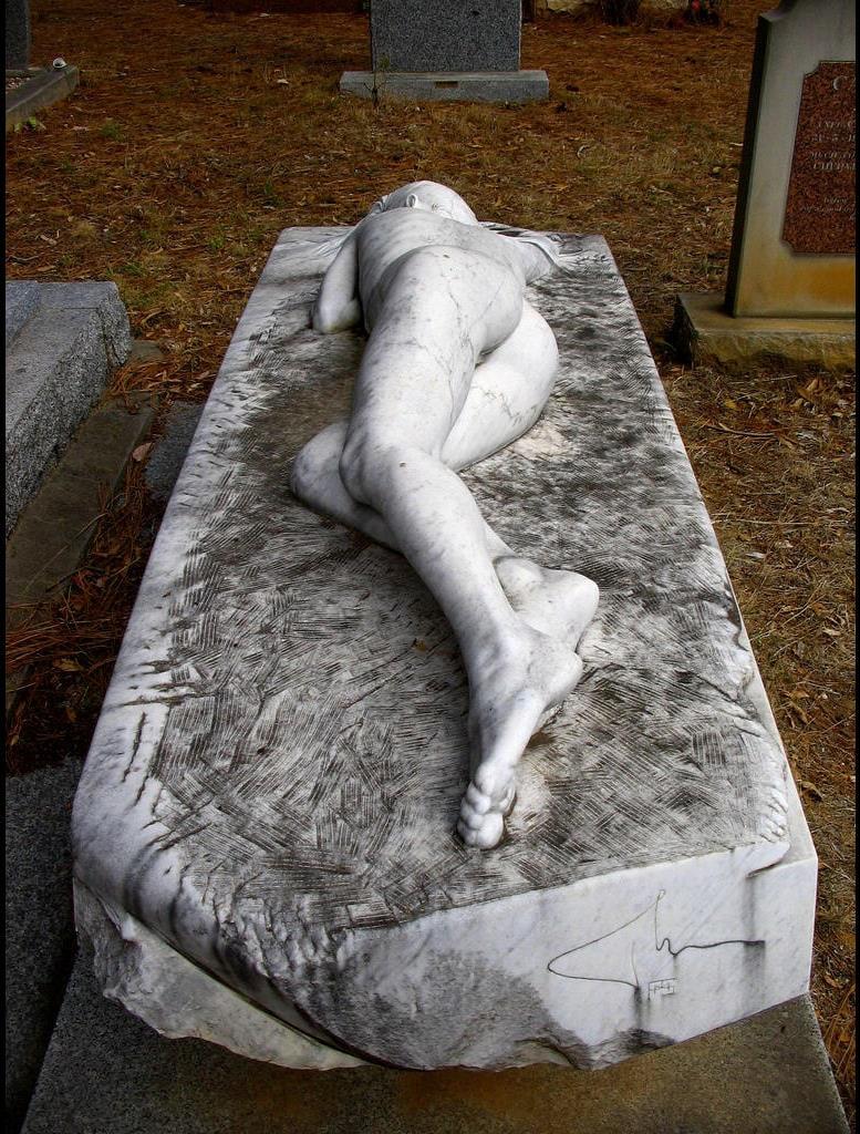 Creative-Gravestone-Cemetary-Headstone-Design