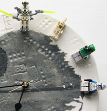 DIY LEGO Star Wars Clock With Interchangeable Minifigs