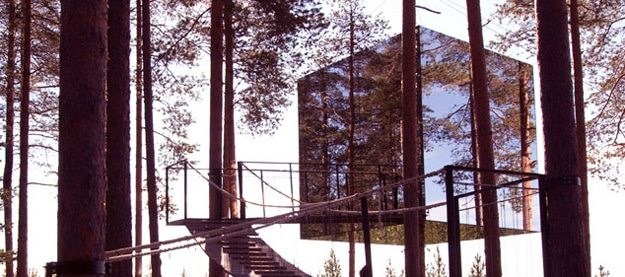 Mirror-Treehouse-In-Sweden