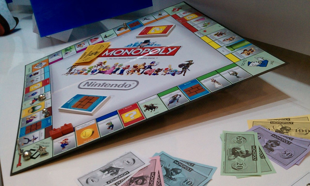 Play Monopoly With Mario: The Retro Nintendo Version