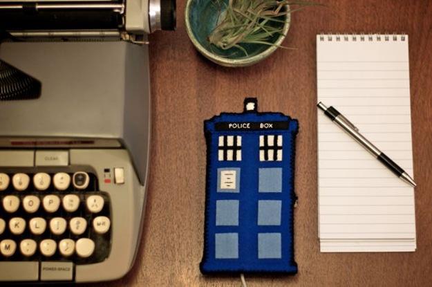 Doctor-Who-TARDIS-iPhone-House