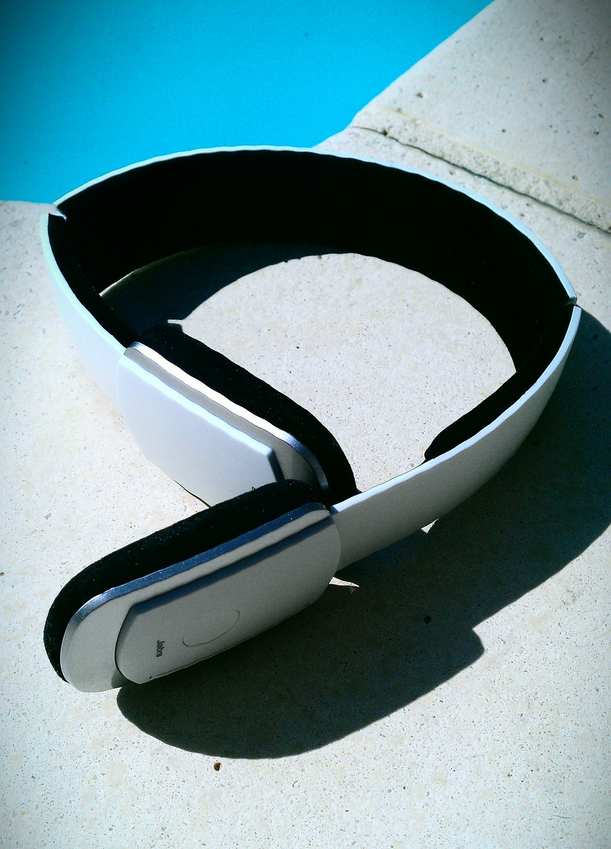 White-Bluetooth-Stereo-Headset